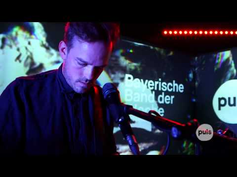 Gender Bombs - Purple Golden Red (PULS Live Session)