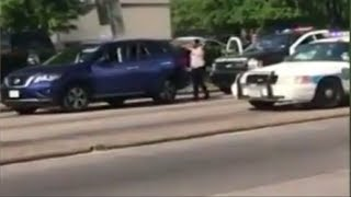 Houston Cop Tell Woman Pretend Were Going To Shoot You As She Comes Toward Them