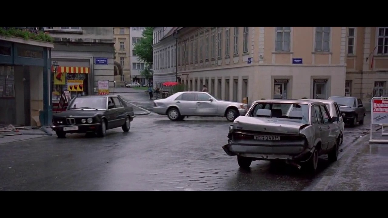 Download The Peacemaker 1997 - Car Chase HD