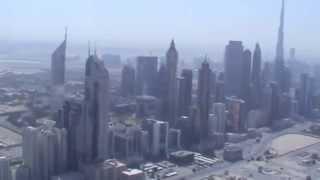 Sobrevoando arranha-céus em Dubai com Guia