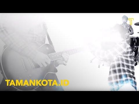 Free Download Lepas Landas - Melawan Hari Tanpa Waktu Feat Higin (garasi) Mp3 dan Mp4