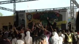 the brantaz - terbujur kaku ( Live at Kediri )