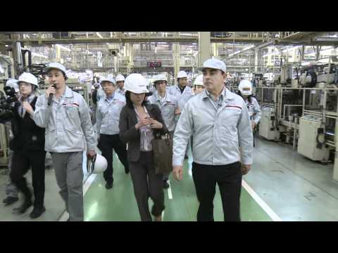 NISSAN CEO Carlos Ghosn Iwaki Visit (Full Version)
