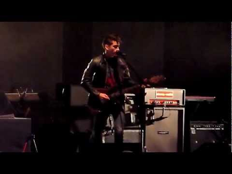 ARCTIC MONKEYS - Live At The Hollywood Bowl (01/17) She's Thunderstorms