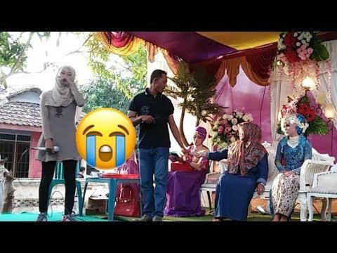 Nyanyi lagu kandas di pernikahan mantan sungguh mengharukan sekali....