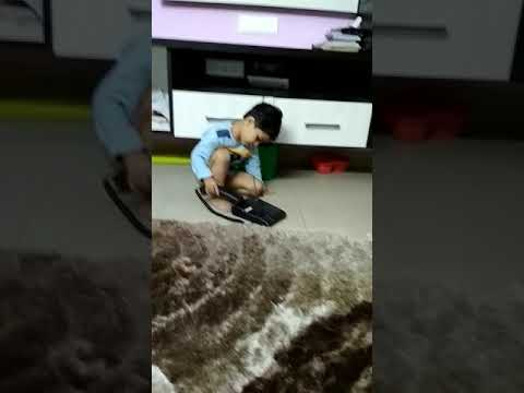 Maaz,Mysore 2.6 years old kid trying to talk over the land phone Nov 2017