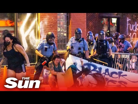 george-floyd-protest-–-looters-shot,-cop-cars-smashed-and-fires-rage-as-riots-engulf-minneapolis