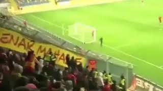 Video 243 | Ankaragücü deplasmanında sarı kırmızılı tribünler;  La Bize Her Yer Göztepe 👊 .