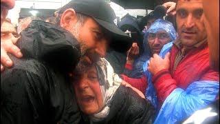 Ի՞նչ եք ուզում էս երեխեքից. տատիկը պաշտպանում է ցուցարարներին ոստիկաններից