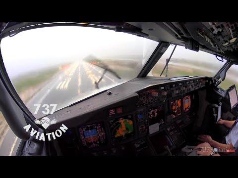 4K Boeing 737 Cockpit Landing in thunderstorm at Palma de Mallorca