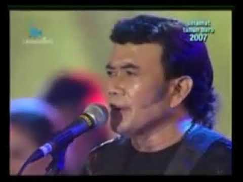 cici-paramida-feat-rhoma-irama-:-deritamu-deritaku----soneta-group-live-show