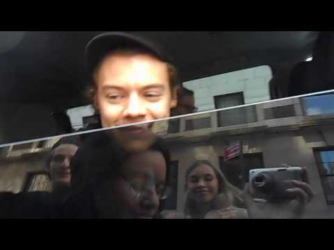 Thumbnail: Meeting Harry Styles in NYC (4/16/2017)