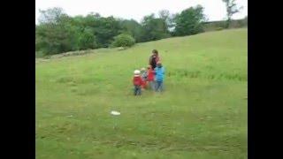 Семья Бровченко. Активные игры с детьми на природе.(Имея детей иногда нужно становиться похожими на них, говорить на их языке, играть в их игры. Это объединяет..., 2014-02-26T23:50:13.000Z)