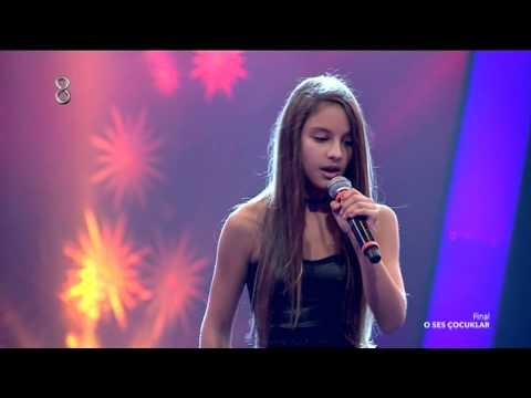 O Ses Çocuklar Bade Karakoç'un Final Performansı