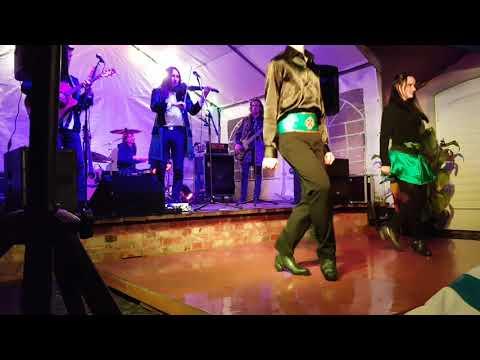 Larkin Celtic Folkrock mit Tänzer im Kunsthof Fürstenberg (Eisenhüttenstadt) 23.9.2017