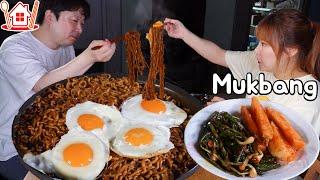 불닭볶음면? 짜파게티? 불닭게티 먹방 !! 🍳계란후라이, 아이스크림도 ~ ♥ Mukbang