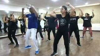 Chaiyya Chaiyya... Dil Se...Choreography by zivi..