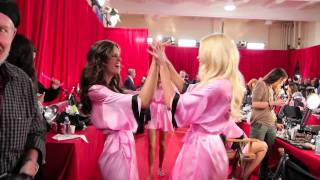 Angels of Victoria's Secret Fashion Show 2010 by Justin Wu('Girls Just Wanna Have Fun!' In collaboration with Jak & Jil Blog Directed by Justin Wu (www.jwufilms.com), 2010-11-30T11:06:04.000Z)