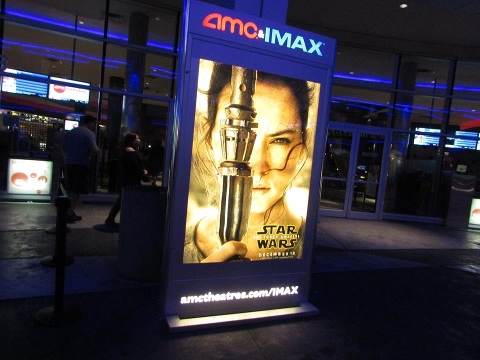 Watching Star Wars The Force Awakens At Universal Cineplex No