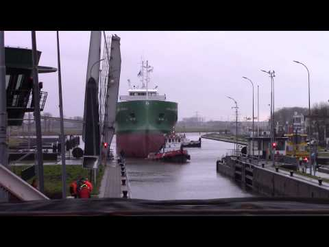 Arklow Brave underway to Delfzijl