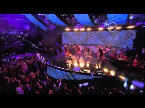 [HD] Rihanna - NBA All Star Game 2011 (Full Halftime Show)