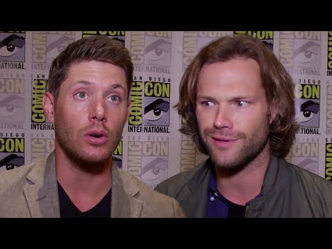 """Supernatural Cast Play 'Who's Most Likely To?"""" At Comic Con 2017"""