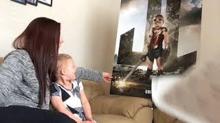 闘病中の子供たちをアメコミヒーローに!最高にカッコいいポスターを制作するカメラマン