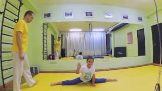 Капоэйра Полтава. Индивидуальная детская тренировка по акробатике