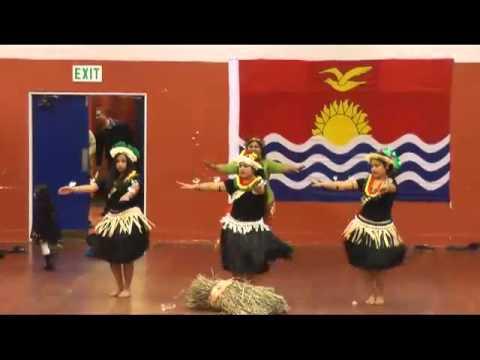 Kiribati DancingTeens