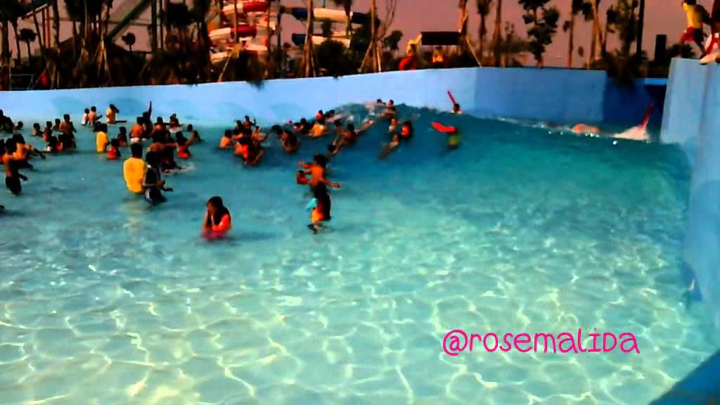 Tsunami Pool Hawai Malang Waterpark Sunday