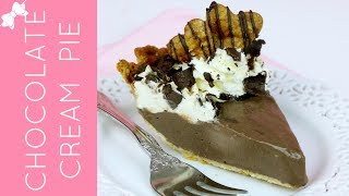 How To Make THE BEST Chocolate Cream Pie // Lindsay Ann Bakes