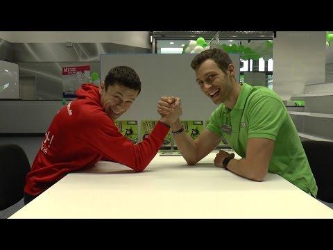 Easyfitness - Armdrücken Challenge: Tony vs. Steve