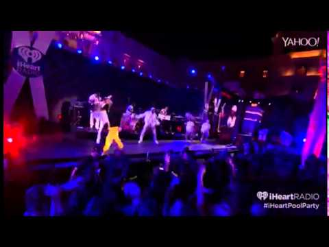 Chris Brown  - Five More Hours (iHeartRadio Summer Pool Party 2015)