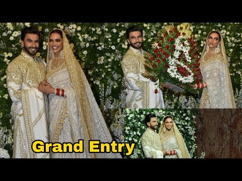 Deepika Padukone and Ranveer Singh look elegant on their Grand Entry at Mumvai Reception