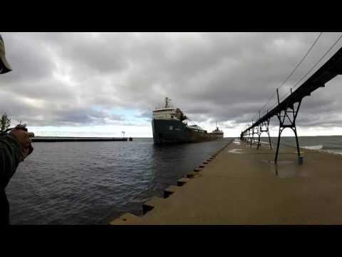 Algoway Freighter Delivers salt to Manistee, MI
