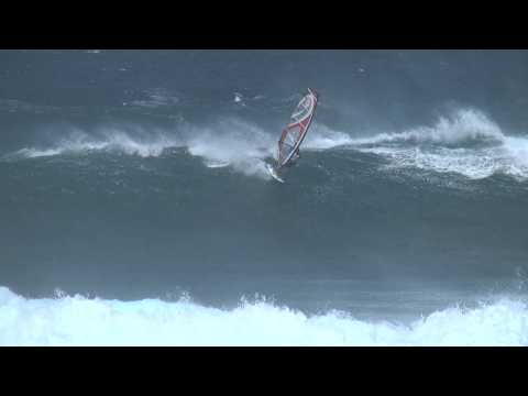 Peter Volwater at Hookipa on 2012 Maui Sails Legend