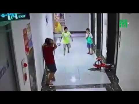 VTC14 | Hà Nội: Gạch ốp tường thang máy rơi trúng đầu, bé 9 tuổi nhập viện