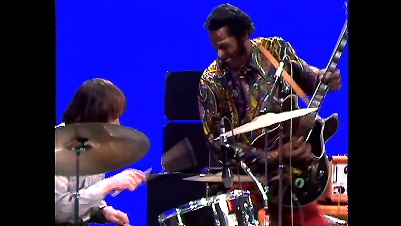 Chuck Berry -  Johnny B  Goode 1959 Live At Beat Club 1972 HD chords | Guitaa.com
