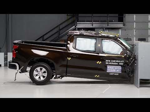 2019 Chevrolet Silverado 1500 Crew Cab Passenger-side Small Overlap IIHS Crash Test