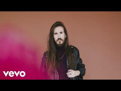 Carlos Sadness - Te Quiero un Poco (lyric Video)