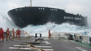 Detik Detik Penurunan Kapal Laut Terbesar