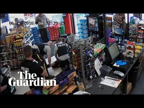 Dramatic arrest of shoplifters as they try to escape from store in Canada