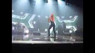 Extraits concert Vanessa Paradis à Evry 12 octobre 2013