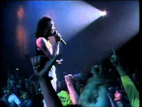 Quiet Riot - Love's a Bitch (Live)