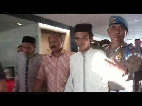 ustad-abdul-somad-ditolak-di-bali-(jumat,-08-desember-2017)