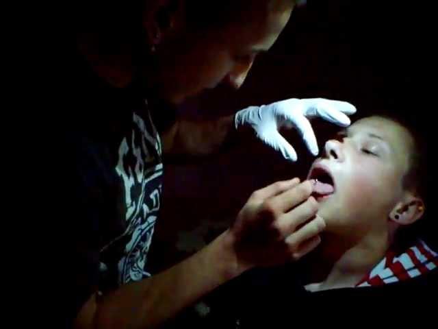 Faki Tongue Piercing
