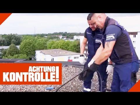 Rohrreiniger auf dem Dach! Lösen sie die Verstopfung?   Achtung Kontrolle   kabel eins