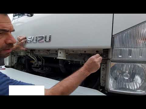 How To Fix An Isuzu Truck's Turn Signal Light