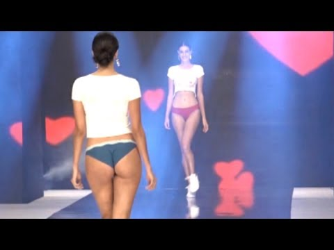 Girl New Arival Garment TRIUMPH INDIA FASHION SHOW