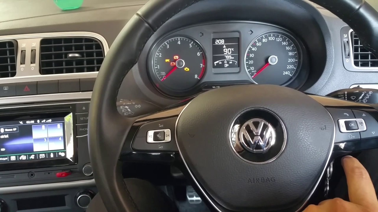 Steering Mounted Controls In Volkswagen Polo 2017 Allstar Highline Gt